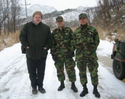 """The author, Dr.Bernhard Seliger, with two South Korean soldiers south of the DMZ: """"The EU can play an important role…"""