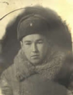 1942: Jura Udalov Volunteered at the front at the age of 17