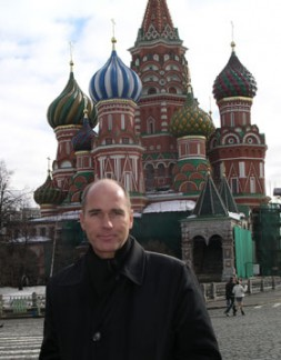 """Dr. Hubertus Hoffmann at the famous Basilius Church at the Red Square in Moscow: """"Russia should become an equal partner…"""