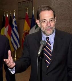 Javier Solana: The first EU-Secretary for Foreign Affairs ?