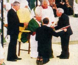 Pope John Paul II. beatifies Karl Leisner in 1996