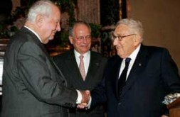 From left: Ewald von Kleist, Ambassador W. Ischinger and Dr. Henry Kissinger - the icon of the international security community.