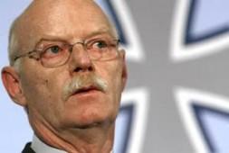 German Federal Minister of Defence, Dr. Peter Struck.