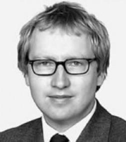 Prof. Dr. Johannes  Varwick, Director Institute of Political Science, Christian-Albrechts-Universität Kiel, Germany: At first sight the relationship between both organisations…